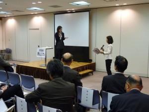 Q&Aに答える香山リカ氏